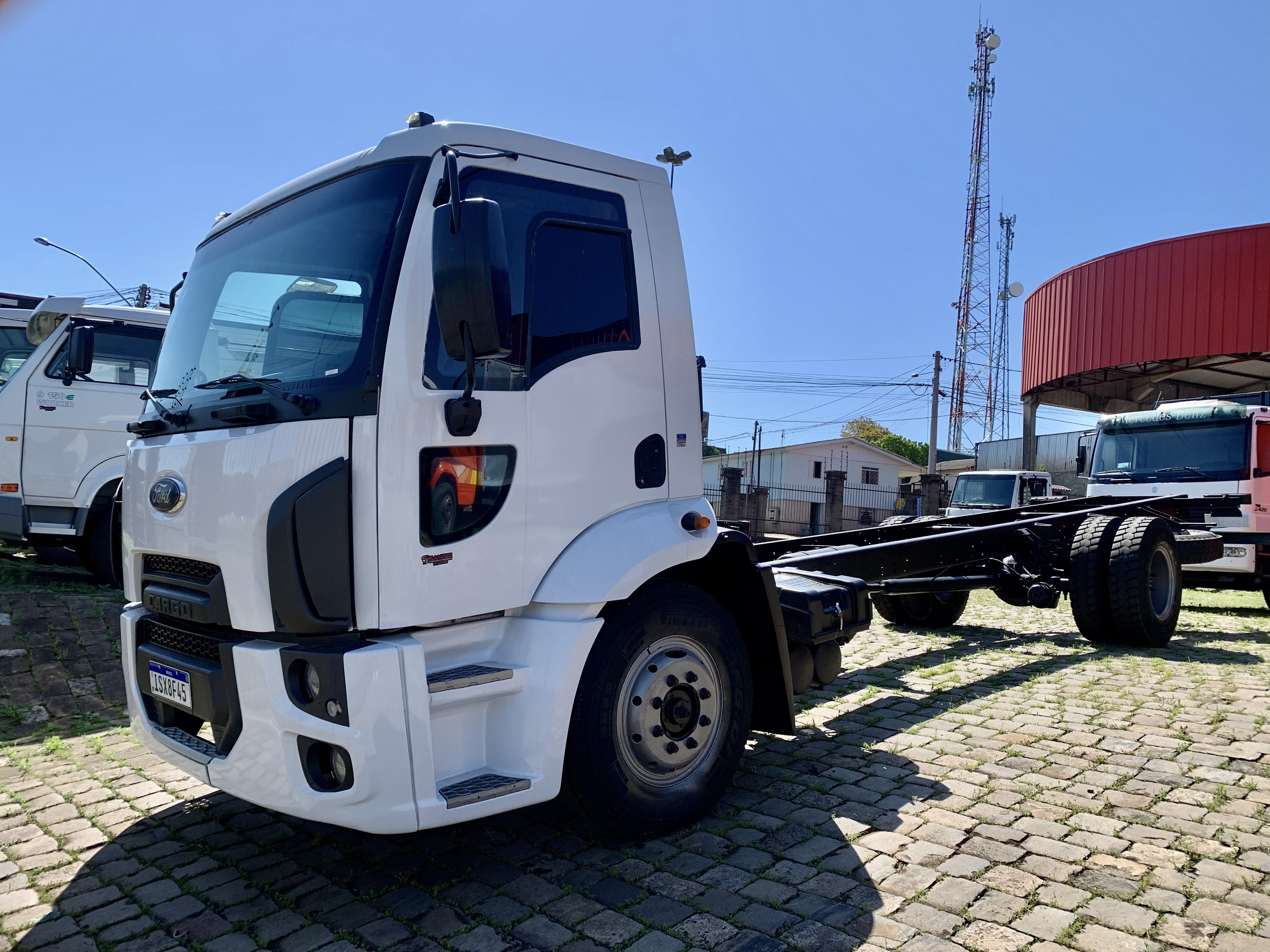 FORD/CARGO 1317  CHASSI - 2012