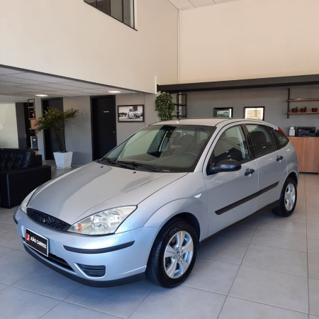 FORD FOCUS HATCH 1.6 GLX - 2004
