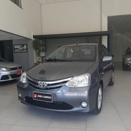 TOYOTA ETIOS XLS 1.5 MANUAL - 2013